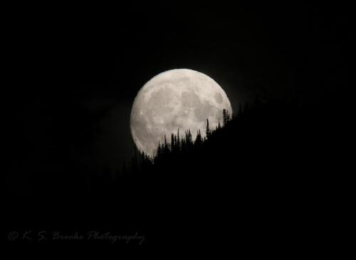 Moonrise over Sherman Pass WA