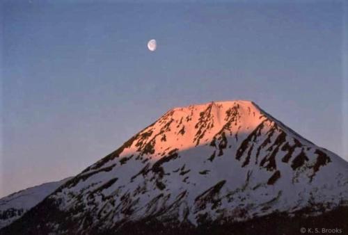 Moonset_Alaska_1998